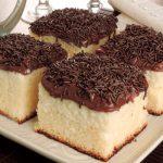 Receita deliciosa de Rocambole de chocolate com creme branco