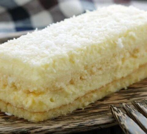 bolo cremoso de leite condensado
